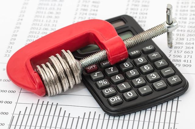 Cómo aplicar deducciones del Impuesto de Sociedades
