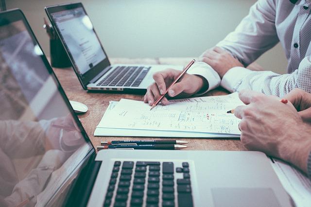 Las retribuciones en variable, deben estar claramente especificadas en los contratos